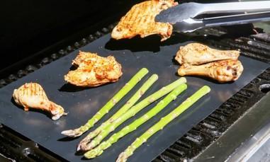 Set van 2 of 4 grillmatten